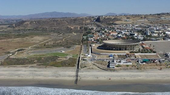 Tú a San Diego y yo a Tijuana