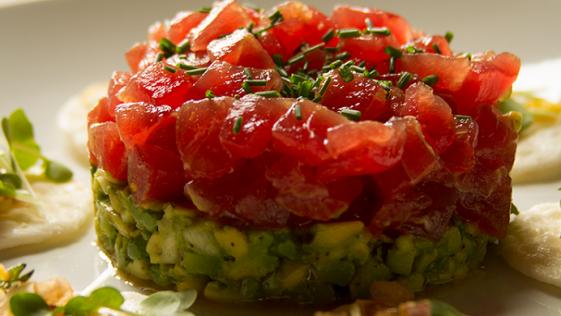 Receta FIT: tartar de atún y aguacate