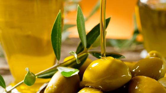 """Aceite de oliva, el """"oro líquido"""" de la dieta mediterránea"""