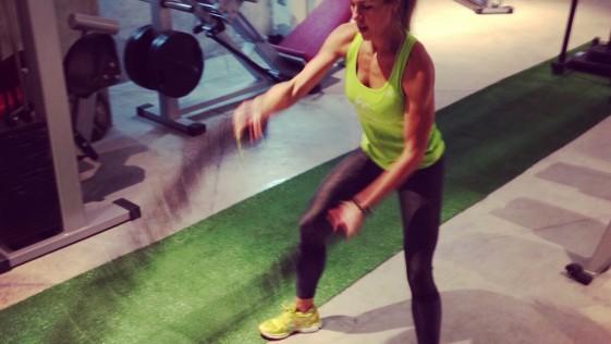 ¿Por qué las mujeres deben realizar entrenamiento con pesas?