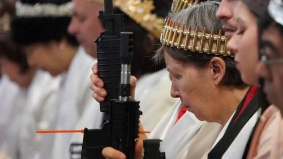 Bendice nuestros fusiles