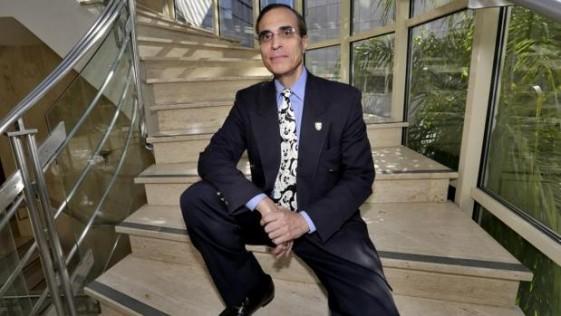 José Luis Cordeiro: «Podremos vivir eternamente rejuveneciendo el cuerpo»