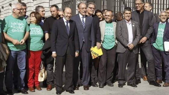 El País felicita a Podemos