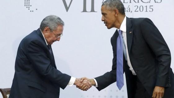 Si Obama abrazara a Pinochet