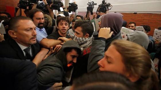 Con esos violentos quiere gobernar el PSOE
