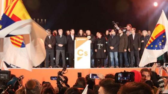 El 'inmovilismo' de Rajoy, dice Rivera