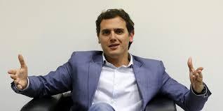 Rivera enseña la patita al PSOE