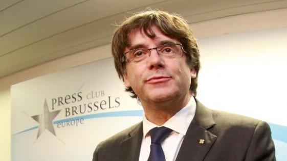 Tocata y fuga de Puigdemont, el cobarde