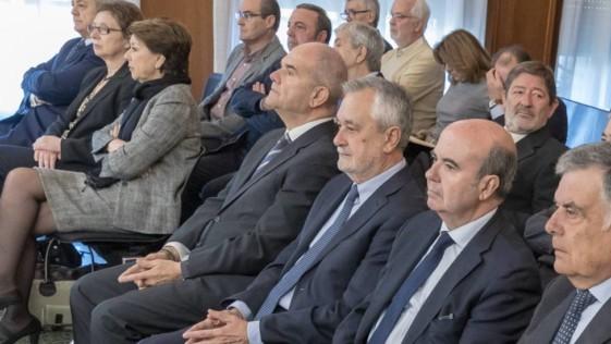 ¿Y los ERE en Andalucía, no son corrupción?