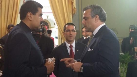 Maduro aprovecha la torpeza de Trump