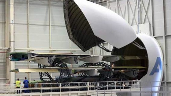 A400M: llegan a Sevilla las alas del primer avión del Ejército del Aire
