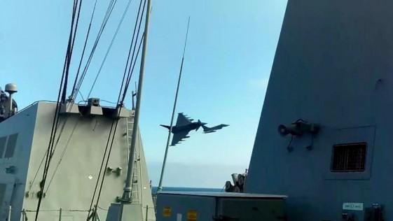 Los Eurofighter y la fragata «Álvaro de Bazán», juntos en el Báltico