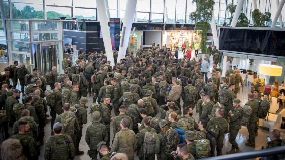 La nueva orden de Defensa que regula la jornada laboral de las Fuerzas Armadas
