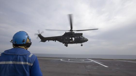 """Dos Cougar de las Famet, en la misión """"Juana de Arco"""" 2018 de la Marina francesa"""
