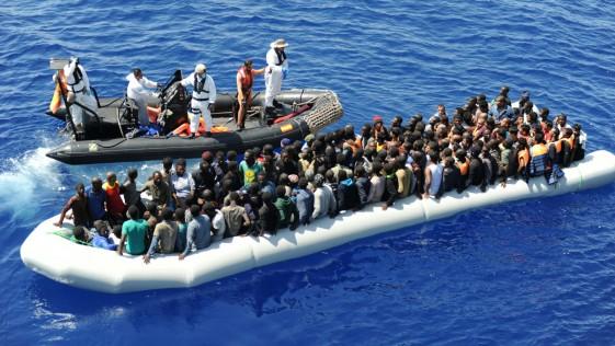La fragata «Reina Sofía» rescata a 1.048 personas en un día