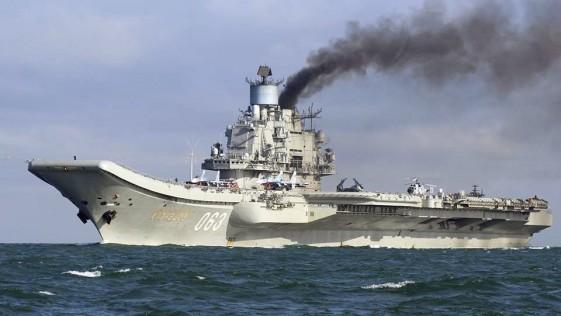 Dos buques españoles vigilan al portaaviones ruso Kuznetsov