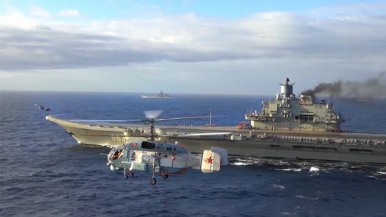 Moscú exhibe las primeras imágenes del portaaviones Kuznetsov en el Mediterráneo