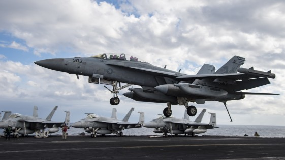 ABC, a bordo del portaaviones «Eisenhower»: bombas contra Daesh