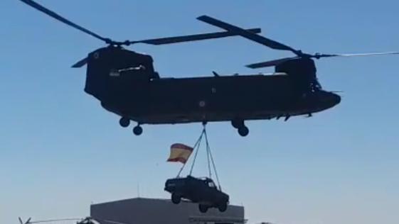 Vídeo: las filigranas del helicóptero Chinook en el 51º aniversario de las Famet
