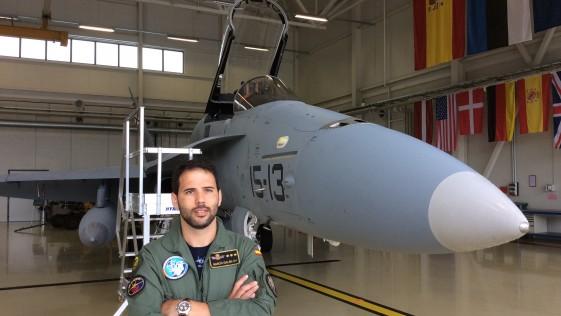Capitán García Galán, piloto de F-18 en Estonia: «Alcanzamos velocidades de hasta 1,4 Mach» (1.700 km/h)