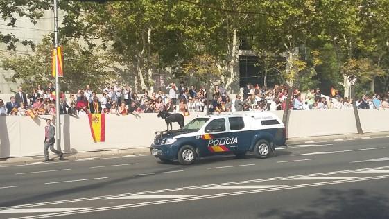 Desfile del 12-O: Vivas y mucho cariño para la Guardia Civil y la Policía Nacional
