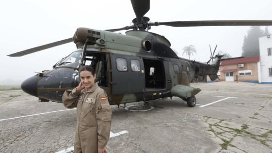 Helicópteros en Irak: entrenamiento de visión nocturna, autoprotección y turbinas para el desierto
