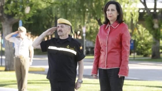 Robles elige la UME para su primera visita como ministra