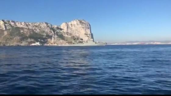 Nerviosismo en Gibraltar al oír el himno de España de un buque de la Armada