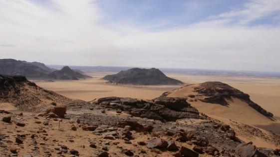 Ríos enterrados del Sáhara podrían haber conducido a los humanos fuera de África