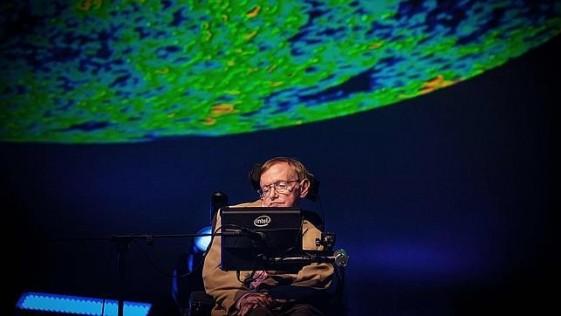 """Hawking: """"Al final, sabremos todo lo que sabría Dios, si es que existe"""""""