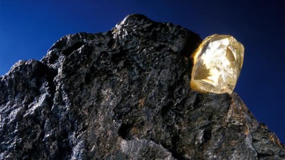 Hay un trillón de toneladas de diamantes bajo nuestros pies