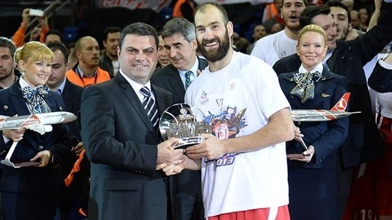 «Si haces que Spanoulis abandone Olympiacos, tú mueres»