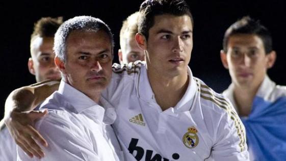 Mourinho muerde la mano que le dio de comer