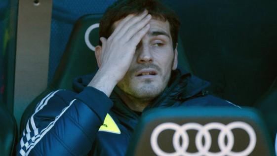 Casillas, viaje de regreso al banquillo 136 días después
