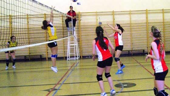 Voleibol: Nuestra Señora de las Nieves se cuela en las finales de benjamín mixto y sénior femenino