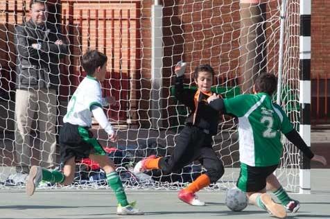 """Futsal: Los prebenjamines de Tomás Bretón, Jesús María """"A"""" y B. V. M. Irlandesas """"A"""" más cerca de la final"""