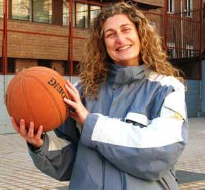 """María José Ortiz: """"Cuando pruebas el baloncesto, no puedes dejarlo"""""""