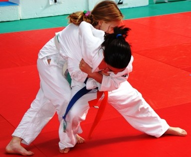 El I Campeonato de Judo de Escuelas Católicas de Madrid reúne a 400 judocas de categoría benjamín
