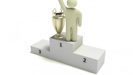 A tres jornadas para el final, los equipos se esfuerzan por alcanzar el podio