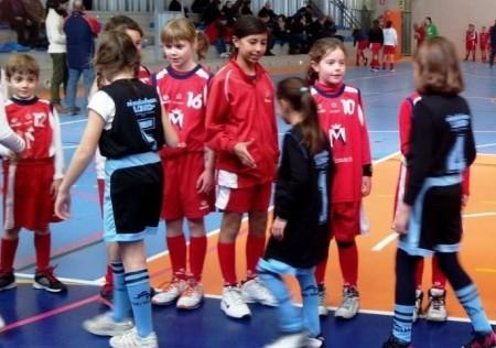 """Baloncesto: los pequeños de Menesiano """"B"""" y Virgen de Mirasierra """"A"""" mantienen el liderato"""