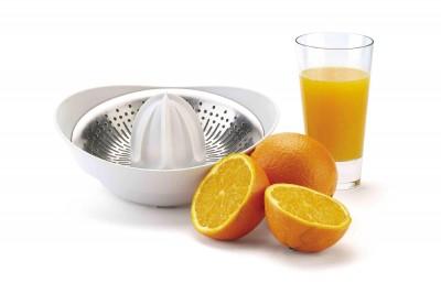 ¿Qué es mejor, beber el zumo o comer las naranjas?