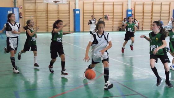 Las mejores imágenes del partido de baloncesto alevín femenino entre Valdefuentes y Patrocinio San José