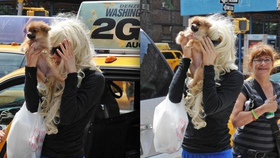 Amanda Bynes se tapa con su perro para evitar a los paparazzi