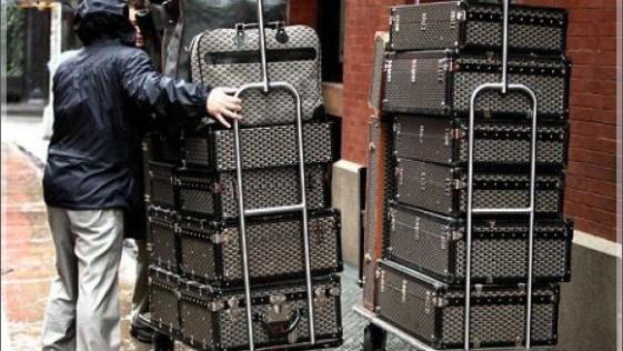 Los famosos que viajan con el armario a cuestas pero sin equipaje