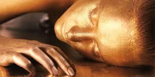 Démosle un baño de oro a nuestra piel