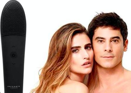¿Un cepillo de limpieza facial unisex que reafirma y alisa arrugas?