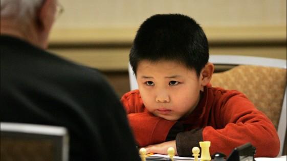 Un maestro de ajedrez de nueve años