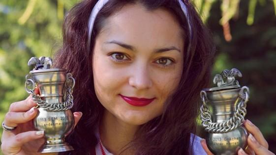 Alexandra Kosteniuk, campeona y «campeón» de Suiza en 2013