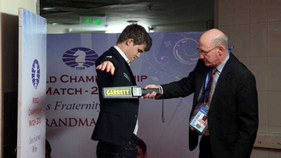 Magnus Carlsen, nuevo rey del mundo