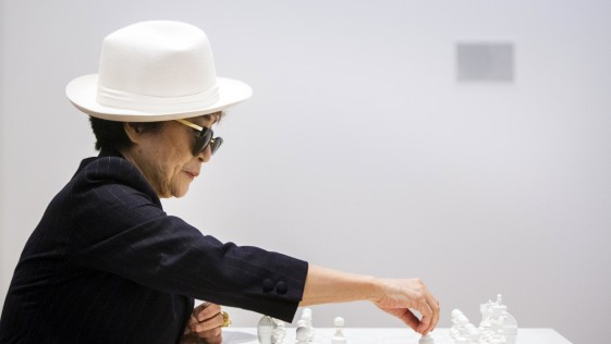 El ajedrez blanco de Yoko Ono